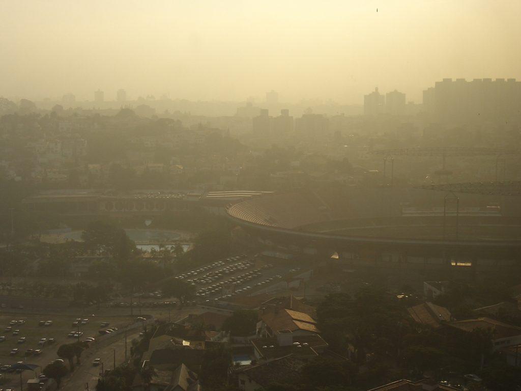 under-smog-1235497-1920x1440